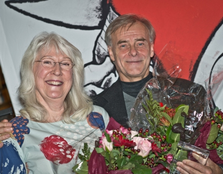 Happy recipients of the Linné-plaque; Maj Fagerberg (illustrator) and Stefan Casta (author). Photo: Lena Dahlström.