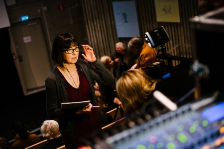 Live webcast. Expressen journalist Gunilla Brodrej in the auditorium. Photo: Stefan Tell