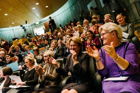 The reaction from the audience. From the right: national librarian Gunilla Herdenberg, Minister for Culture Lena Adelsohn Liljeroth and chairman of the Swedish Arts Council Kerstin Brunnberg. Photo: Stefan Tell
