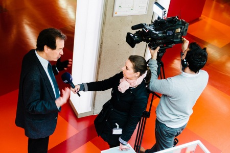 Interviews with media. Photo: Stefan Tell.