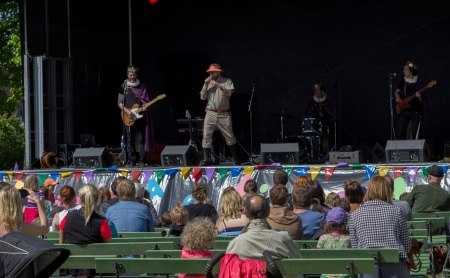 """The Lindgren Brothers"", Barbro Lindgren's sons, actually entertained the audience at last year's festival! Photo: Junibacken"