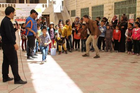 Outdoor activity with children during the National Reading Campaign 2014. Photo: Tamer Institute