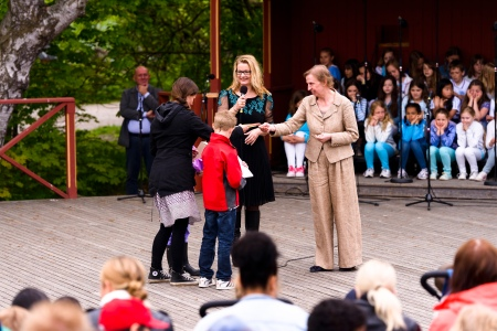 Distribution of prizes to the winning school classes at Skansen outdoor museum 2011. Photo: Stefan Tell
