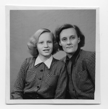 Astrid and her daughter Karin. Photo: Saltkråkan