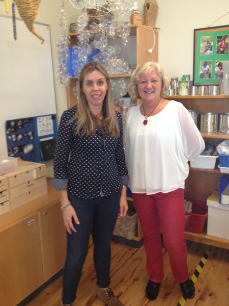 Arabella and Karin Lundgren, principal at Emmaskolan.